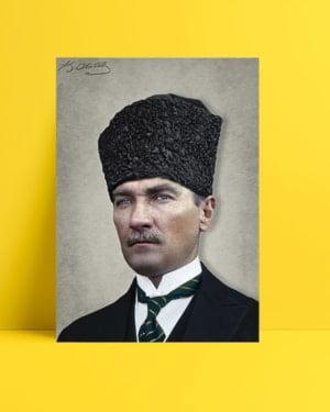Atatürk Kalpaklı Sivil Kıyafetli Posteri