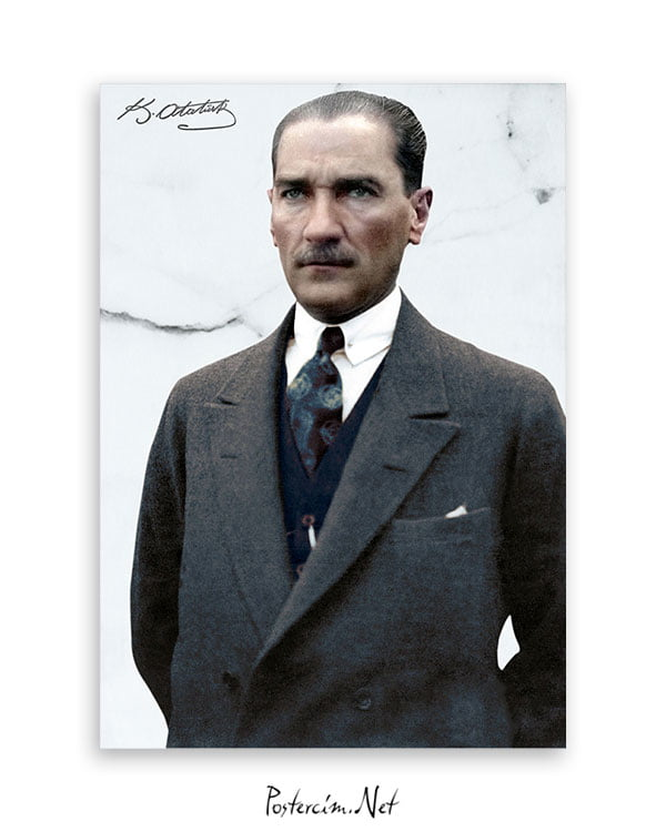 Sivil Kıyafetli Atatürk Afişi