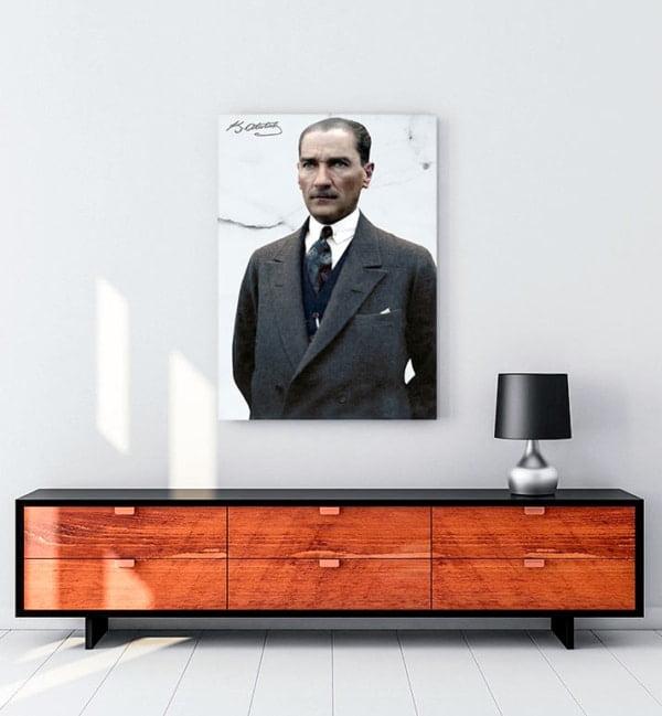 Sivil Kıyafetli Atatürk kanvas tablo