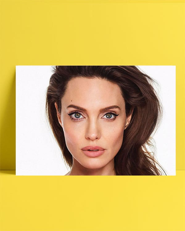 Angelina Jolie Posteri - Close Up posteri