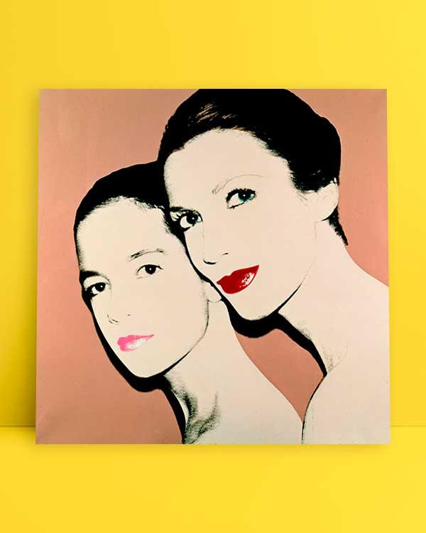 Mother-and-daughter-Tina-and-Lisa-Bilotti-afiş